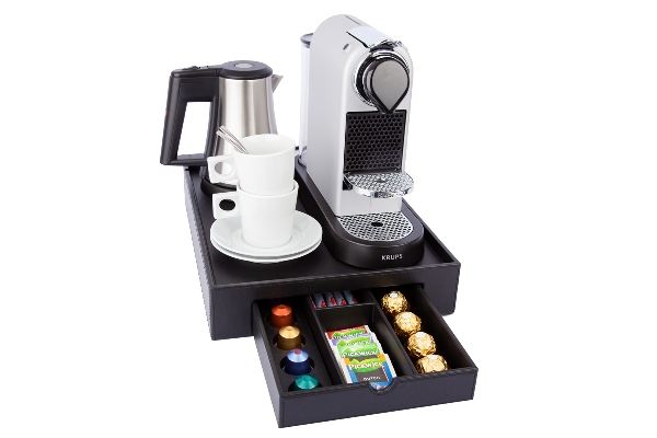Courtesy tray with space for a Nespresso machine, water kettle and cups with saucers | B-TRAY