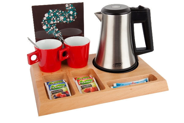 Hospitality tray natural with kettle, porcelain cups and leaflet holder | B-TRAY