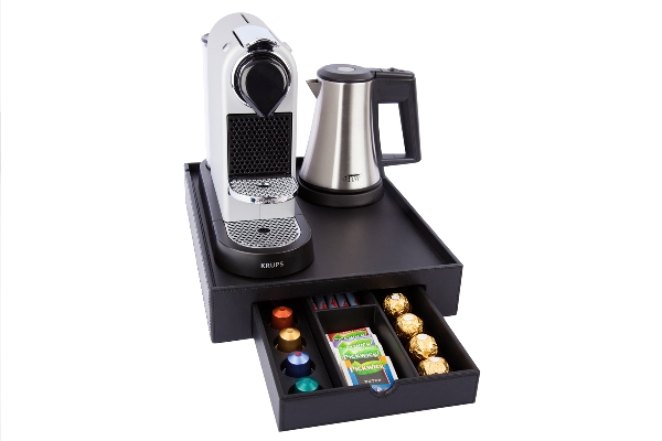 Welcome tray with kettle and coffee machine | B-TRAY SPACE